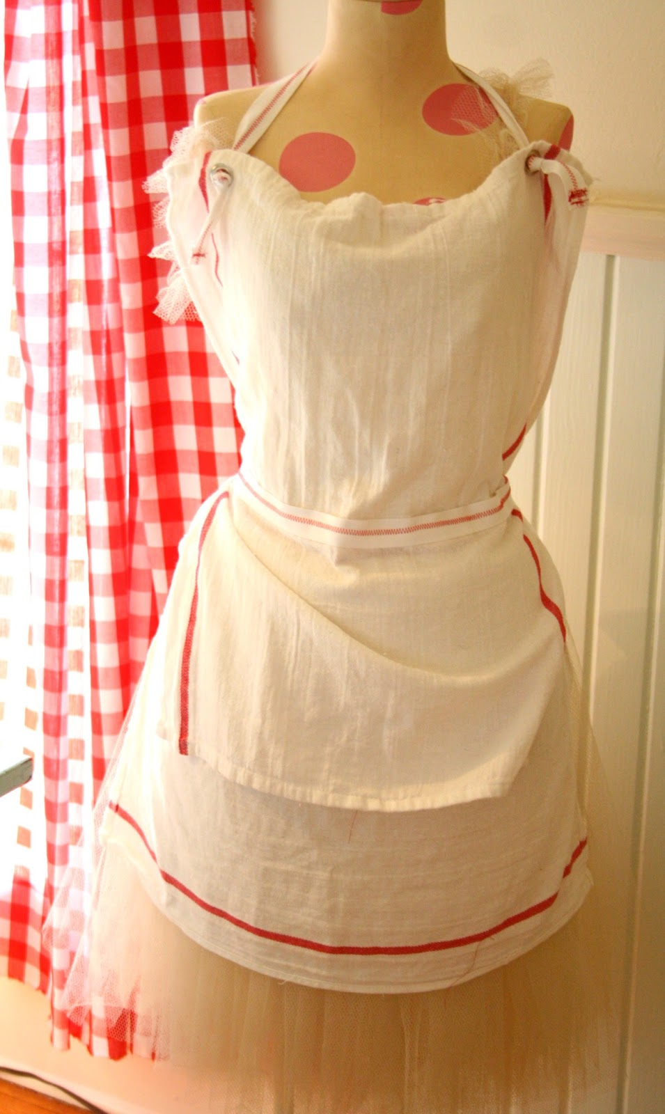 french- inspired tea towel apron diy